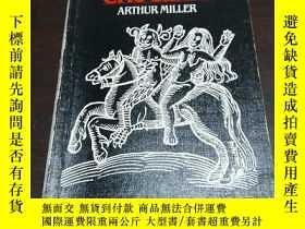 二手書博民逛書店THE罕見CRUCIBLE ARTHUR MILLERY2427
