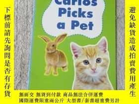 二手書博民逛書店Carlos罕見Picks a Pet(Scott Foresm