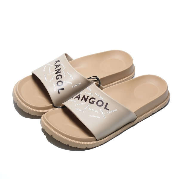 KANGOL 拖鞋 奶茶 卡其 滿版LOGO 橡膠 一片拖 防水耐磨 男女 (布魯克林) 6125162131