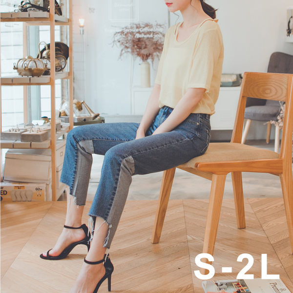 MUMU【P65180】★★新發售★★褲腳割破造型拼接小直筒牛仔褲。S-2L