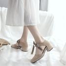 伴娘鞋女日常可穿低跟秋季涼鞋女仙女風中跟粗跟高跟鞋學生十八歲 夢幻小鎮