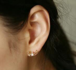 【TT46】韓國 韓版 耳釘輕輕繞出心中的愛 別緻LOVE 珍珠耳釘 耳環