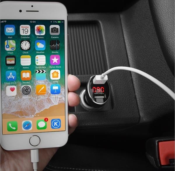 King*Shop----浩酷 Z26 雙口數顯車充2U數顯車載手機充電器多功能帶顯示新款