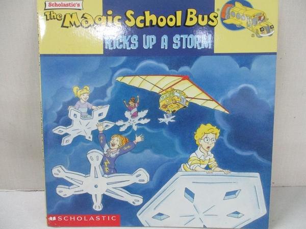 【書寶二手書T1/兒童文學_KR8】Magic School Bus Kicks Up a Storm: A Book About Weather_White, Nancy/ Degen, Bruce