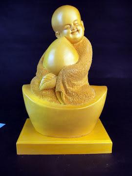 壽桃小沙彌佛像檜木雕件