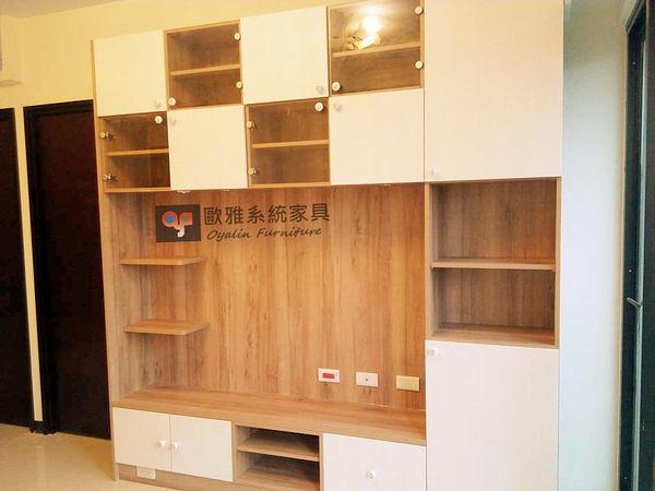 【歐雅系統家具】電視造型牆