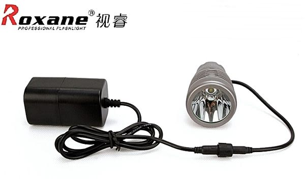 Roxane美國CREE XM-L專業腳踏車車燈T6強光LED車燈RX902T(爆亮更勝汔車燈)單車車燈自行車車燈公路車