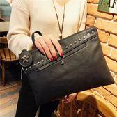 女士鉚釘信封包新品大容量手拿包鎖扣復古手抓包夾包斜跨小包 炫科技