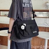 側背包 側背包男日系簡約百搭斜背包女休閒學生背包原宿工裝郵差包死飛包