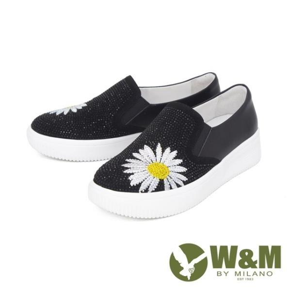 【南紡購物中心】W&M(女)圓頭亮鑽花朵厚底鞋 自尊鞋 女鞋-黑(另有灰)