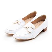 MICHELLE PARK 心動 ‧ 方頭C型金屬飾扣低跟樂福鞋-白