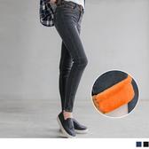 《BA2790》絨毛內裡個性水洗修身窄管牛仔褲.2色 OrangeBear