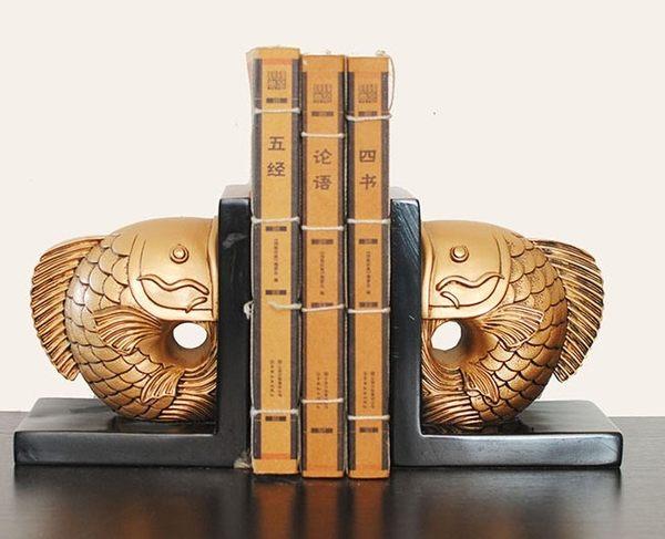[協貿國際]書房擺飾鯉魚照形書靠單對價(2個1對)