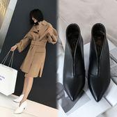 {丁果時尚}大尺碼女鞋34~43►2019春2019春英倫風V口尖頭短靴時裝靴子*2色