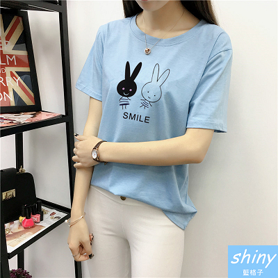 【V8187】shiny藍格子-俏皮甜美.可愛兔兔圖案圓領短袖上衣