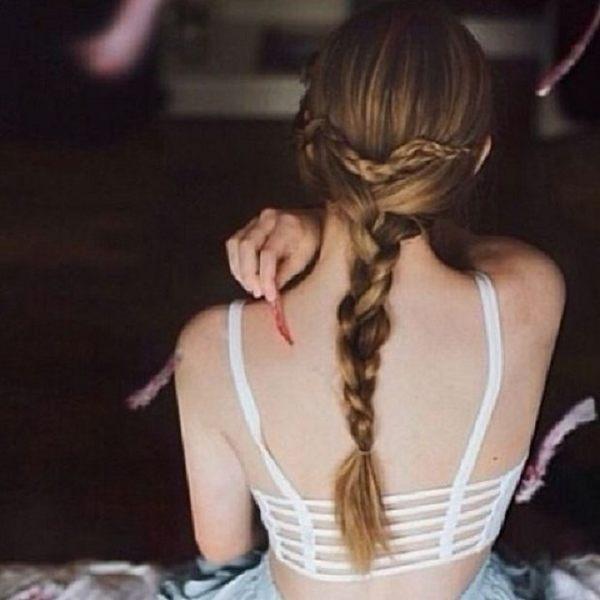 現貨★梨卡 - [顯腰+性感+爆乳小可愛背心]惹火羅馬紋上衣-性感內搭 V領夜店風D109