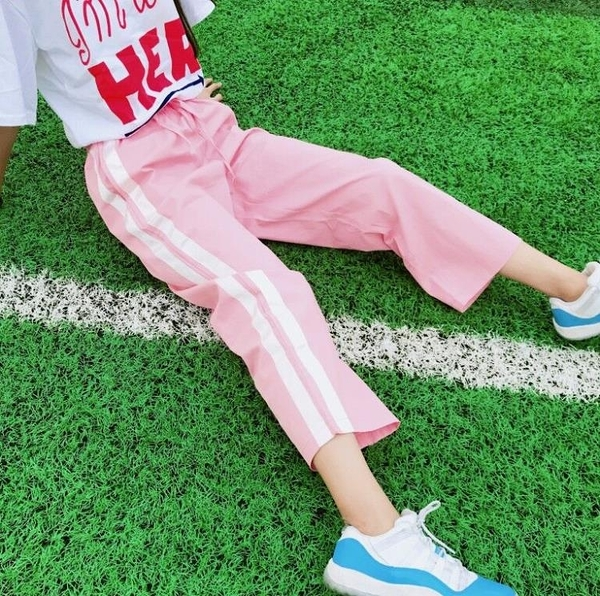 [超豐國際]女裝學院風粉嫩少女心薄款顯瘦杠條軟妹學生九分褲運(1入)