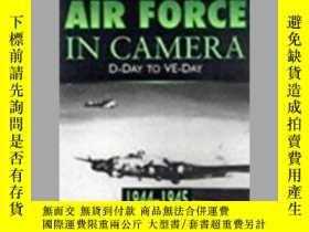 二手書博民逛書店The罕見US 8th Air Force in Camera (damaged)-美國第八空軍(受損)Y41