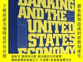 二手書博民逛書店Money罕見And Banking In The United