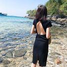 海邊度假針織圓領性感露背小心機沙灘裙修身顯瘦洋裝小黑裙禮服 黛尼時尚精品