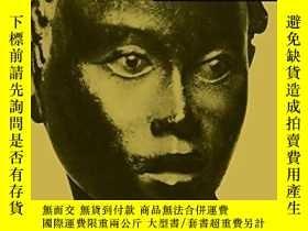 二手書博民逛書店Ideals罕見and Idols: Essays on Val