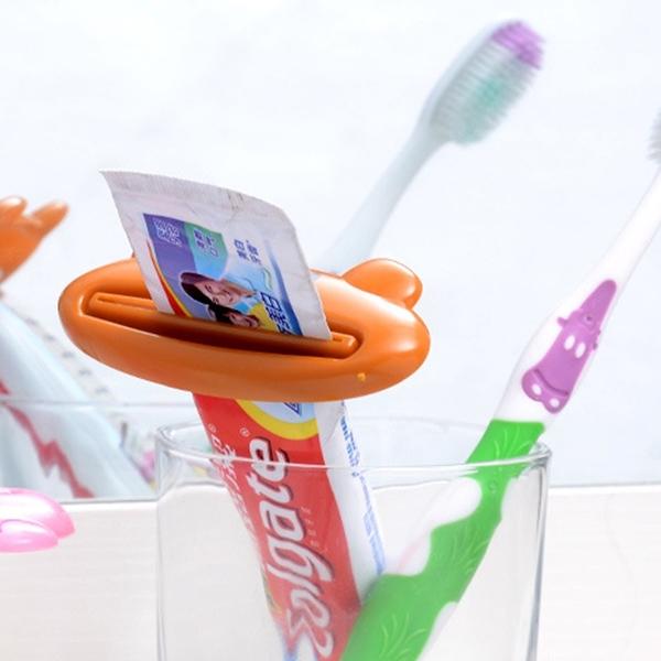 動物 造型 擠牙膏器 手動擠牙膏器 洗面乳 擠壓器 牙膏 懶人擠牙膏 浴室 ⭐星星小舖⭐ 台灣現貨