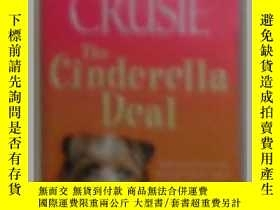 二手書博民逛書店原版英文書《罕見The Cinderella Deal 》by