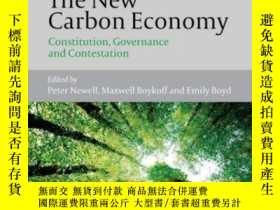 二手書博民逛書店The罕見New Carbon Economy: Constitution, Governance and Con