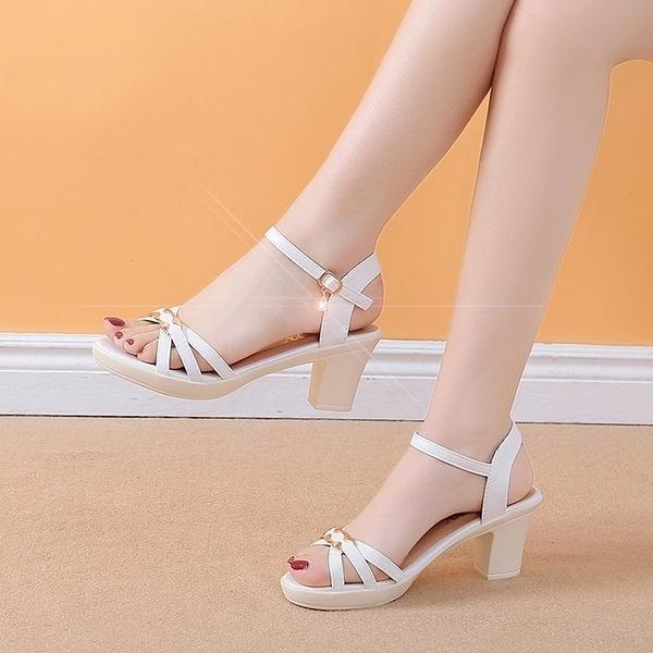魚口鞋 夏季新款一字扣帶魚嘴中跟鞋女韓版粗跟高跟百搭學生女士涼鞋 交換禮物