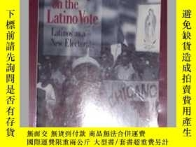 二手書博民逛書店英文原版罕見Counting on the Latino Vot