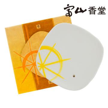 【富山香堂】八吉祥骨瓷盤香小香皿(7x7cm)-金輪