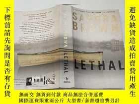 二手書博民逛書店英文原版《lethal》sandra罕見brownY221455