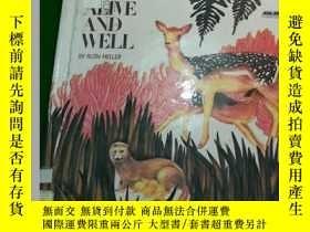 二手書博民逛書店animals罕見born alive and wellY290
