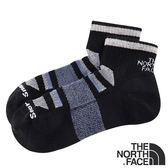 【THE NORTH FACE 美國】中性全天候透氣短襪『黑/白/酷藍』NF0A3CNO 戶外.保暖襪.彈性襪.長筒襪