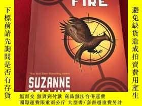 二手書博民逛書店Catching罕見Fire (The Hunger Games #2) 英文原版-《饑餓遊戲2:星火燎原》Y