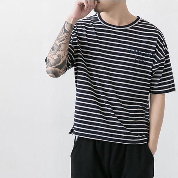 【99現貨限量專區】 最新款日系新品時尚休閒條紋寬肩款圓領短袖T恤