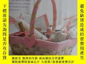 二手書博民逛書店英文原版家裝書:DECORATING罕見gift basketsY6515 CATHERINE WORAM C