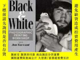 二手書博民逛書店Larry罕見Bartlett s Black And White Photographic Printing W