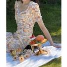 碎花連衣裙夏 碎花方領連衣裙子茶歇法式胖mm大碼女裝2021新款夏季顯瘦雪紡長裙 設計師