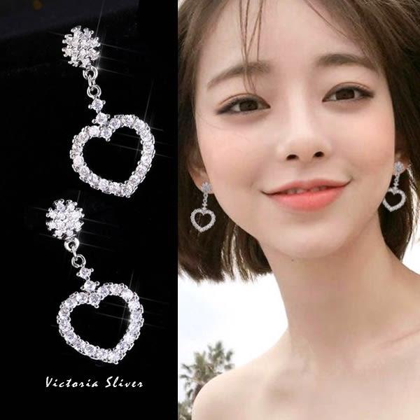 925純銀針  韓國優雅氣質  滿鑽雪花愛心 耳環-維多利亞181151