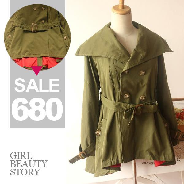 SISI【C3053】細緻質感 蜜桃絨大翻領雙排扣綁帶風衣 韓版軍綠內裡配色前短後長外套大衣