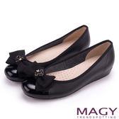 MAGY 甜美舒適優雅 細緻水晶花朵平底娃娃鞋-黑色