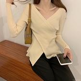 新款秋季不規則修身毛衣女設計感露鎖骨上衣套頭內搭V領針織衫潮 童趣屋 交換禮物
