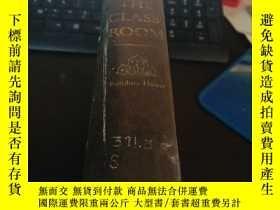 二手書博民逛書店CRISIS罕見IN THE CLASS ROOMY5803