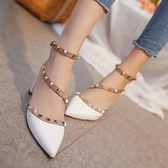 歐美新款時尚鉚釘尖頭高跟鞋中跟單鞋粗跟綁帶包頭鏤空涼鞋女夏季 - 風尚3C