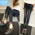 【V9003】shiny藍格子-時尚美感.修身顯瘦磨破翻邊鉛筆小腳牛仔長褲