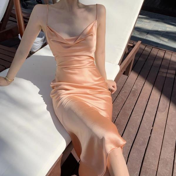 露背洋裝 蜜桃吊帶露背v領連身裙