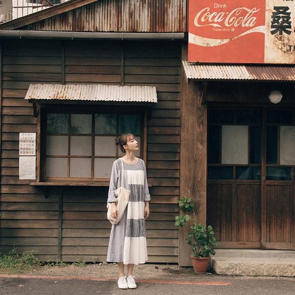 Queen Shop【01085128】蕾絲繡花格紋拼接條紋棉麻洋裝*現+預*