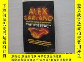 二手書博民逛書店ALEX罕見GARLAND THE TESSERACT 見圖 2