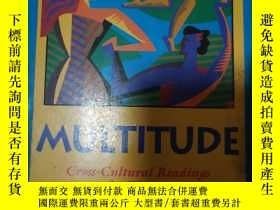 二手書博民逛書店Multitude罕見Cross cultural readin